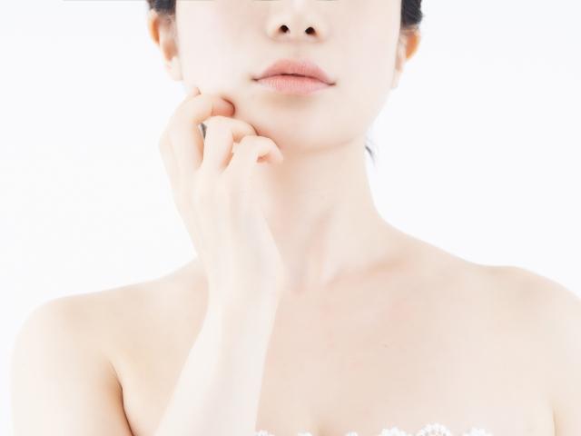 顔 痩せる 筋トレ
